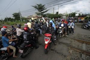 Antisipasi kecelakaan, 73 perlintasan liar ditutup