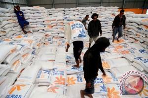Serapan beras Bulog Kedu baru 27 persen