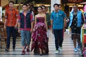 Desainer Lakukan Pendekatan Dengan Pengrajin Batik