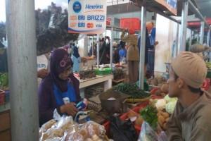 Pedagang Pasar Manis Purwokerto Terapkan Transaksi Nontunai