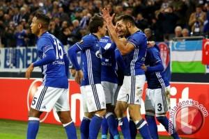 Kalahkan Dortmund 2-0,Schalke bertahan di posisi kedua klasemen