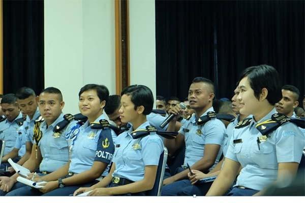 Siswa Akademi Pelayaran Nasional Belajar Kepabeanan dan Cukai