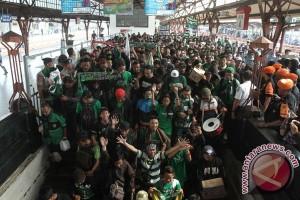 Ribuan Bonek Adu Kreativitas di Parade Bela Persebaya