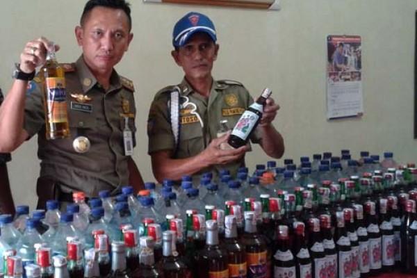 Ribuan Botol Minuman Beralkohol Disita