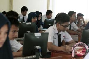 Sempat terganggu, UNBK SMP di Semarang kembali lancar