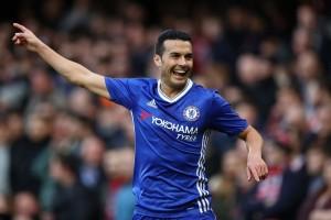 Pedro Tinggalkan Laga Tur karena Gegar Otak Saat Chelsa Lawan Arsenal