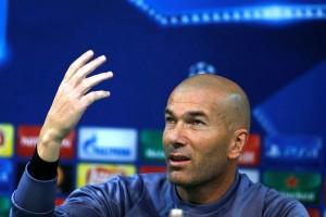 Zidane Bantah Kabar Ronaldo dan Ramos Tak Rukun