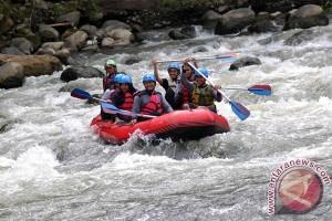Pacu Adrenalin di Arung Jeram Kali Kupang Batang