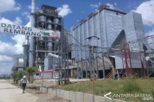 Warga Desak Pabrik Semen Rembang Segera Dioperasikan