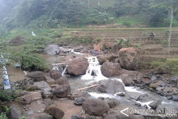 Perbaikan Jalan Objek Wisata Rahtawu Dianggarkan Rp1,3 Miliar