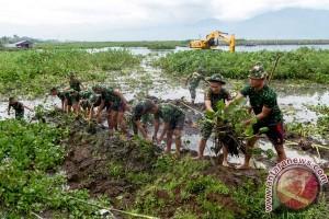 Tim SAR Gabungan Berhasil Evakuasi 17 Orang yang Terjebak Eceng Gondok