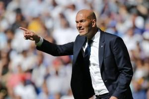 Diejek Suporter, Zidane Bela Benzema dan Bale Setelah Real Ditahan Valencia