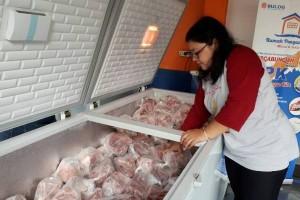 Bulog Surakarta gelontorkan 100 daging kerbau beku