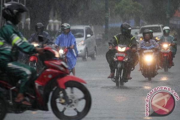 Pemudik Jalur Selatan Jateng Diminta Waspadai Hujan