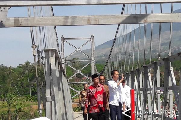 President Commissions Temanggung Suspension Bridge