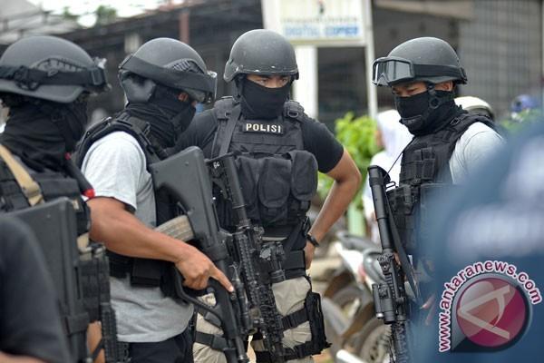 Densus 88 Tangkap Terduga Teroris di Temanggung