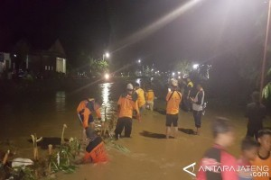 Tanggul Sungai Beringin Semarang Jebol