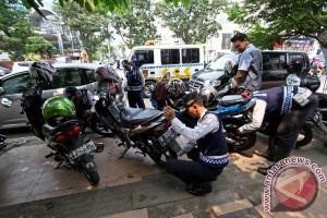 Pekalongan susun regulasi derek dan gembok kendaraan