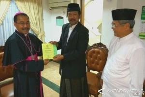 Uskup Agung Semarang Hadiri Shalat Idul Fitri
