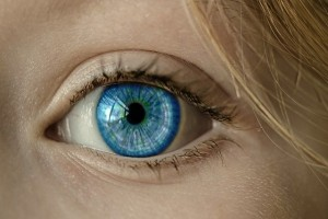 Studi: Gadget Dituding jadi Penyebab Mata Kering di Generasi Muda