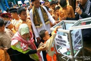 Pelajar Bina Amal Semarang Galang Donasi untuk Palestina
