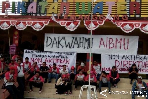Karyawan Pikatan Water Park Tuntut Direktur Mundur