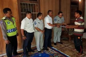 Jasa Raharja Bayar Santunan Dua Kecelakaan di Semarang
