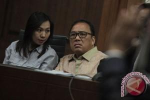 Penyuap Patrialis Divonis 7 dan 5 Tahun Penjara