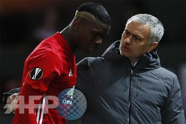 Mourinho:  Pogba tak dibebani tampil impresif di Sevilla