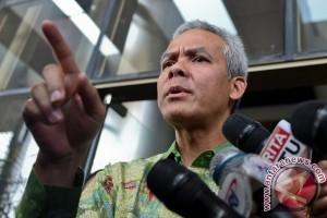 Ganjar ajak  masyarakat waspada pascaledakan bom Surabaya