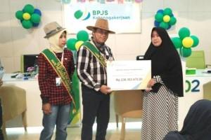 BPJS Ketenagakerjaan Serahkan Santunan Jaminan Kecelakaan Kerja