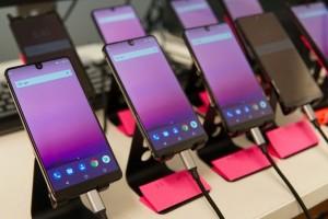 Essential Phone Disebut Sulit Diperbaiki