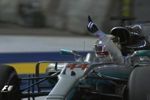 Vettel Kecelakaan, Hamilton Juara GP Singapura