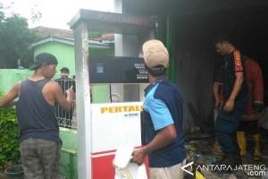 Isi BBM ke Dispenser, Pertamini di Banyumas Terbakar