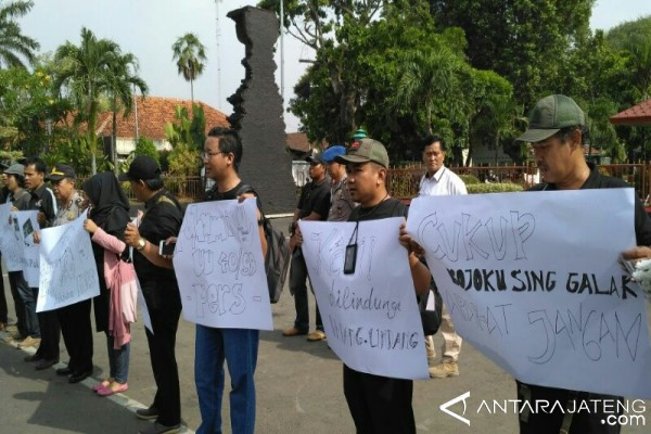 Hentikan Kekerasan terhadap Wartawan
