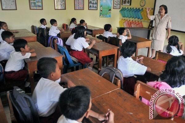 Hari Guru dan Tantangan Pendidikan