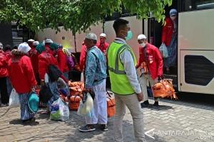 30.976 Haji Debarkasi Solo Sudah Kembali