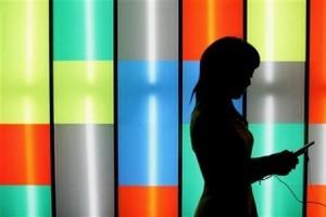 Kemenkominfo Wajibkan Pengguna Seluler Lakukan Registrasi Kartu Mulai Oktober