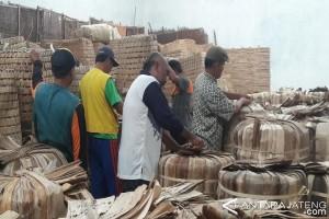 Pabrikan Diminta Serap Semua Tembakau Petani Temanggung