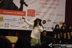 UNS Gelar Seminar Nasional Literasi Sastra