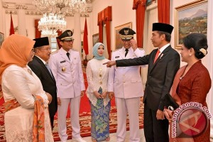 Wakil Presiden Sempat Tanya Sepatu ke Sandiaga Uno di Istana Wapres