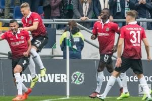 Hannover Pecundangi Dortmund 4-2