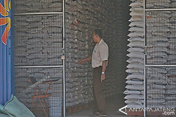 Realisasi Pengadaan Beras Bulog Surakarta 64.045 Ton