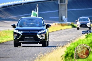 Mitsubishi Memperkenalkan Eclipse Cross sebagai Model Global Pertama