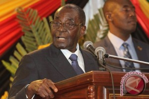 Presiden Zimbabwe Pecat Wapresnya