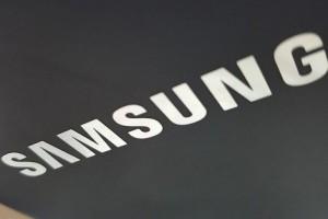 Samsung Pikirkan Beberapa Fitur Menarik untuk Kedua Layar Dapat Dilipat