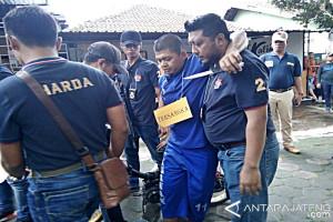 Polisi Rekonstruksi Kasus Pembunuhan Kasir Rumah Makan