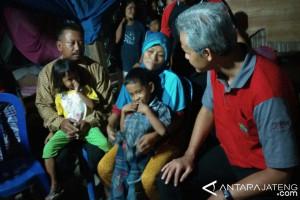 Ganjar Berikan Bantuan RTLH Kepada Warga Sragen