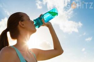 Minum Air Putih Setelah Bangun Tidur Membantu