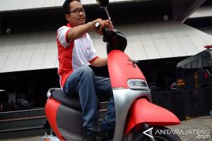 Sepeda Motor Listrik Viar Hanya Butuh Rp5.000/70 Km